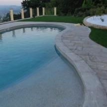 Pavimento e bordo piscina